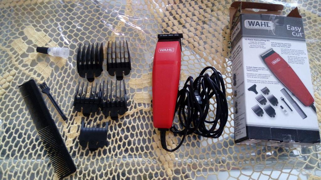 a01f6e5a0 Máquina de Cortar Cabelo Wahl Easy Cut com 5 Pentes - Vermelha ...